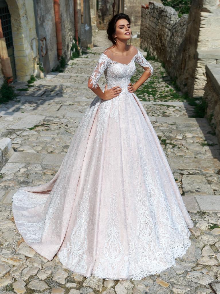 8bde8b45a46 Кружевные свадебные платья - модели платьев с кружевным верхом ...
