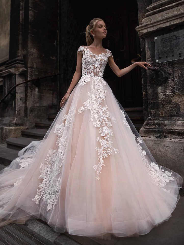 bb9f5b6c4c2 Пышные свадебные платья – купить платье принцессы с пышной юбкой в ...